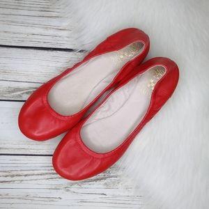 VINCE CAMUTO ELLEN SOFT RED LEATHER BALLET FLATS 7